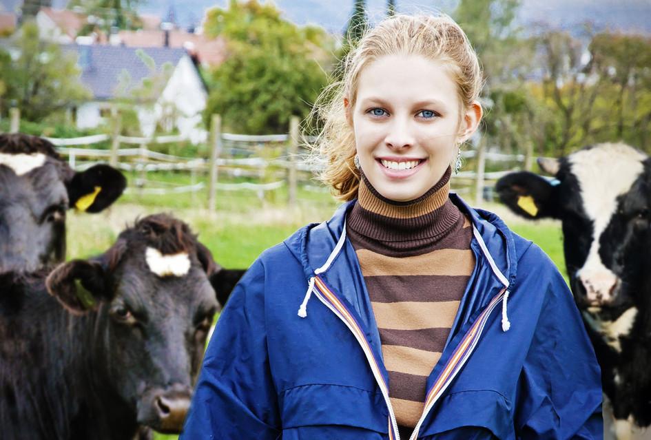 Melinda portrait neu_pp Kuehe.jpg