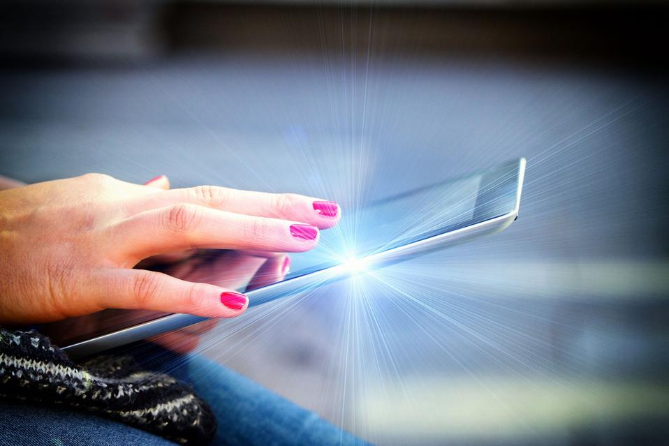 Sahra Tablet nah light.jpg