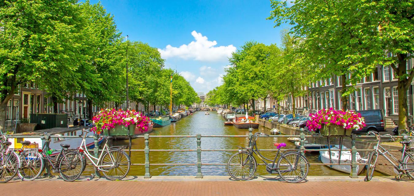 Amsterdam Gracht Pano 18.jpg