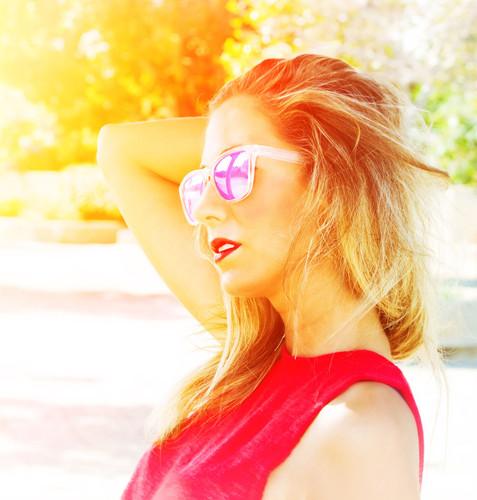 Maria sung glasses side sun 2.jpg