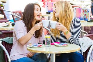 Sophie Anna Lena Cafe Trinken 3.jpg
