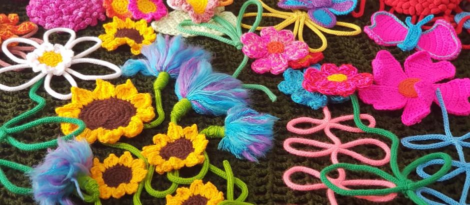 Os fios brasileiros que coloriram o Yarn Bombing Day em Trivento, na Itália