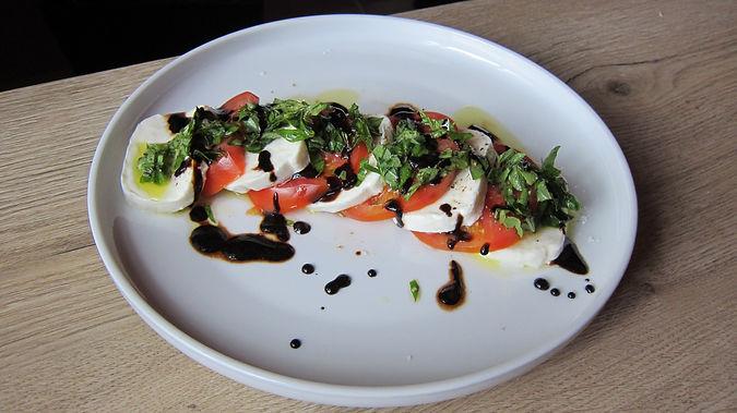 caprese salad_IMG_2421.JPG