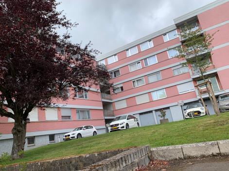 Vue arrière bâtiment Strassen