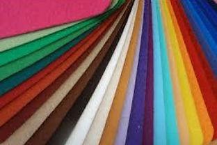 Tapetes, alcatifas e papel de parede. Linhas modernas, clássicas ou avant-garde. Serviço de colocação para alcatifas e papel de parede.