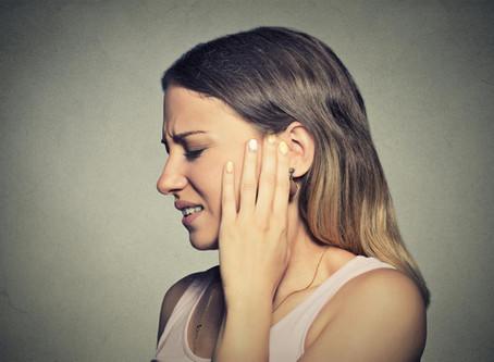 Zumbido no ouvido pode ser sintoma de diversas doenças. Conheça as causas!