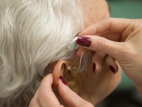 Você tem vergonha de usar aparelho auditivo?