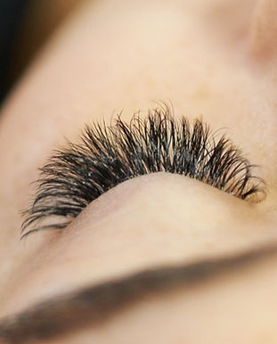 All-you-need-is-longer-lashes!-114142459