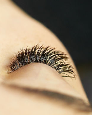 All-you-need-is-longer-lashes!-1141424599_7360x3600_edited_edited.jpg