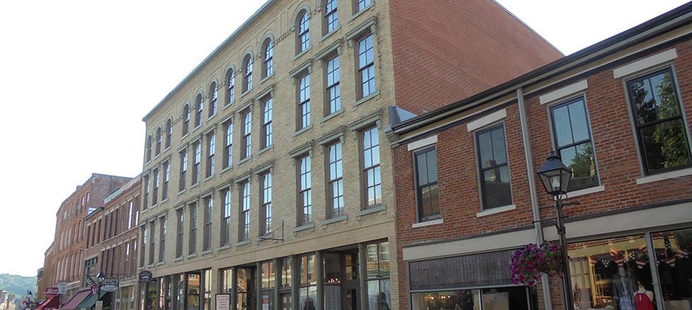Barrows-Coatsworth Building 122 N. Main Street