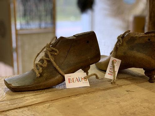 Deco wooden shoe