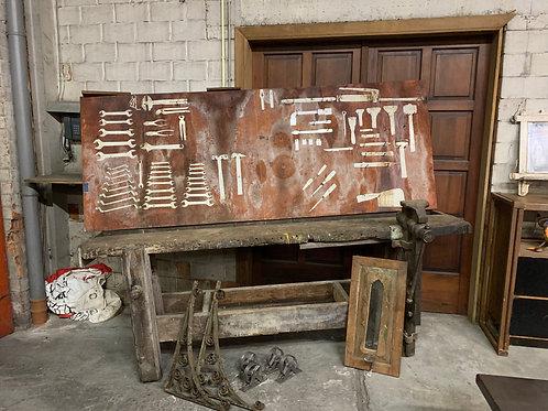Authentieke, meer dan 100 jaar oude werkbank