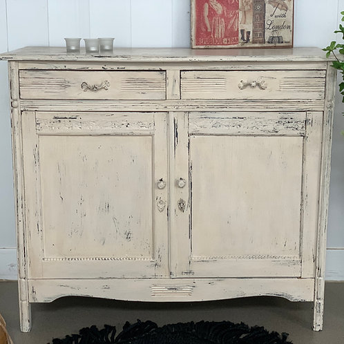 The romantic cupboard