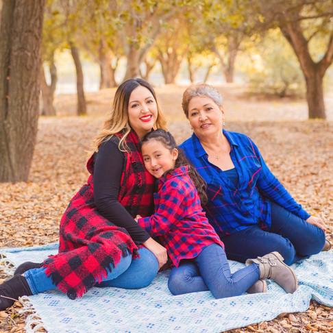 Carreon Family || Santa Maria Family Portraits