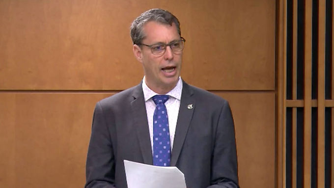 Paul Manly reacts to Liberal throne speech