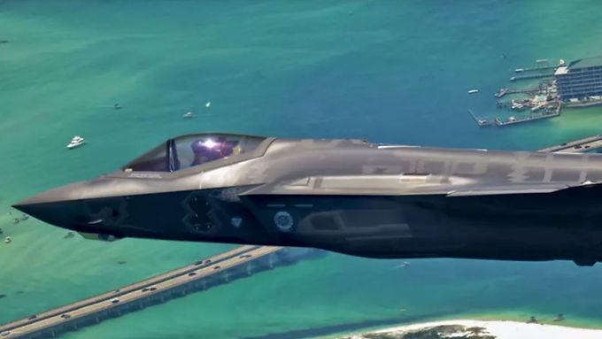 100 Public Figures Oppose Trudeau's $77 Billion Fighter Jet Purchase