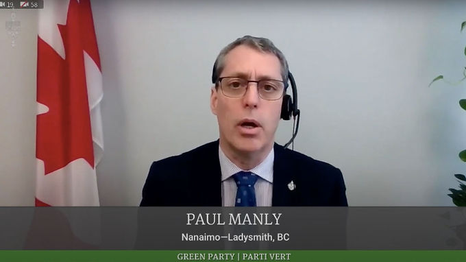 What is the government's plan to address the softwood lumber dispute?