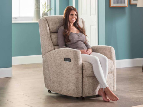 Celebrity Somersby Lift & Rise Recliner Chair