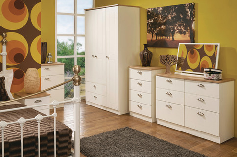 Wimborne Bedroom Furniture Range in Cream A & Oak