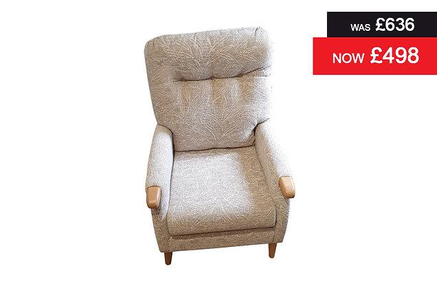 Cintique Ashwell Armchair - D1024 / Mid Oak
