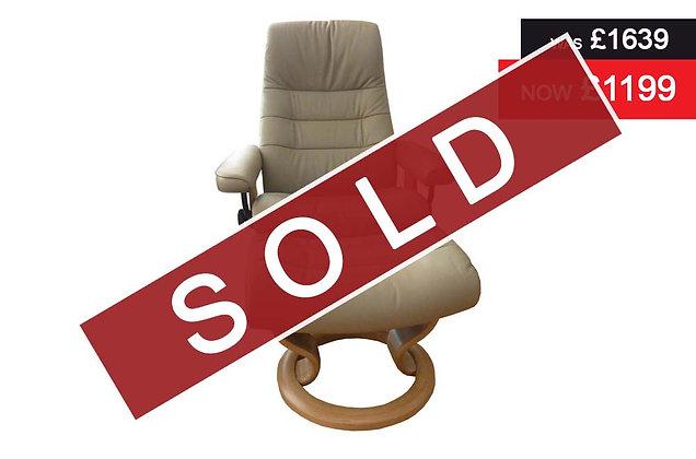 Stressless Wave Medium Recliner Chair & Footstool - Batick Mole