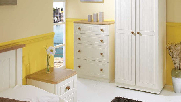Solent Cream & Oak Bedroom Furniture, Wardrobes, Chest sof Drawers, Bedside Cabinets, Dressing Tables, Stool, Mirrors & Ottomans | Gordon Busbridge Furniture Store | Hastings, Eastbourne, Seaford & Bexhill