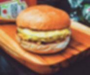 Esse é o bezerro _ pão , carne e queijo!