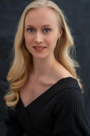 Performer and Ballet Teacher Headshot