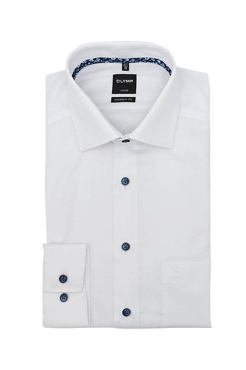 Рубашка Olymp Luxor белая с фигурной выделкой и контрастным патчем на воротничке