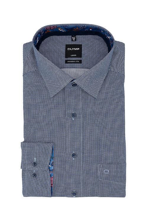 Рубашка Olymp Luxor насыщенного синего цвета с выделкой.
