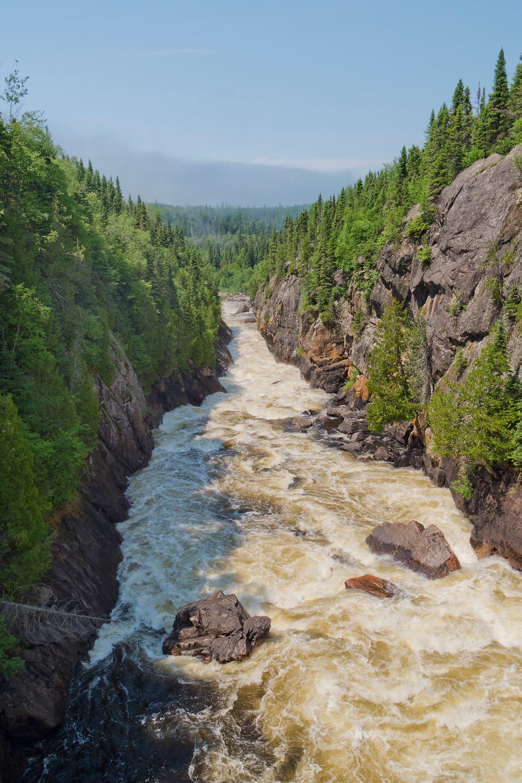 Chigamiwinigum Falls, White River