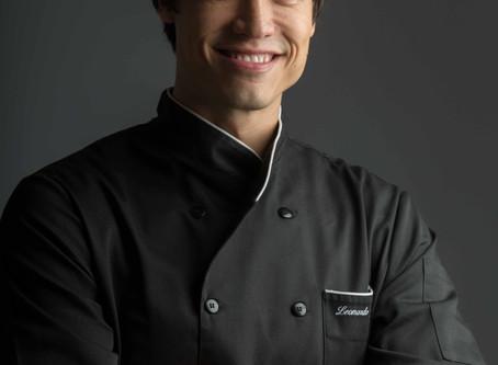 Chef Leo Young dá aula-show na abertura da Temporada Gourmet no Iguatemi Caxias