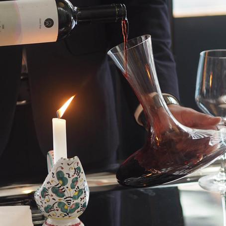 Decantar o vinho: o que é e como fazer