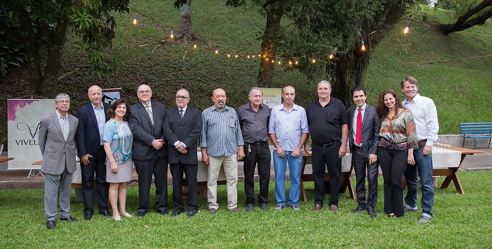 Autoridades locais, integrantes do Comitê organizador e empreendedores do enoturismo prestigiaram o lançamento oficial do Dia do Vinho 2018, ocorrido nessa quarta-feira (9), em Santa Maria (RS).  Crédito: Matheus H. Cargnin