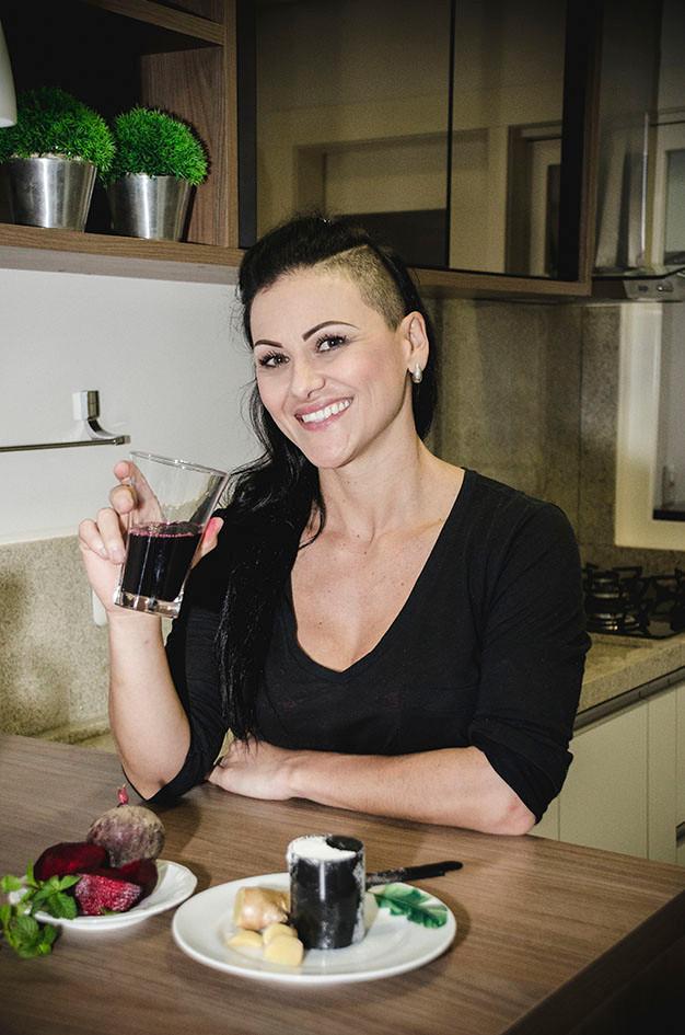 Tatiana Cavagnolli consome  suco de uva integral todos os dias