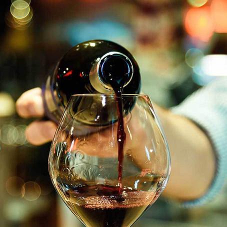 Cuidado com a temperatura de conservação e de serviço do vinho