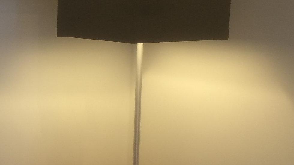 Luminária com base em madeira - PROJETO ESPECIAL