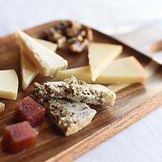 Tabla de quesos (manchego suave, picón, parmesano y cabrales)