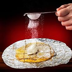 Nuestra tarta fina de manzana con helado de vainilla