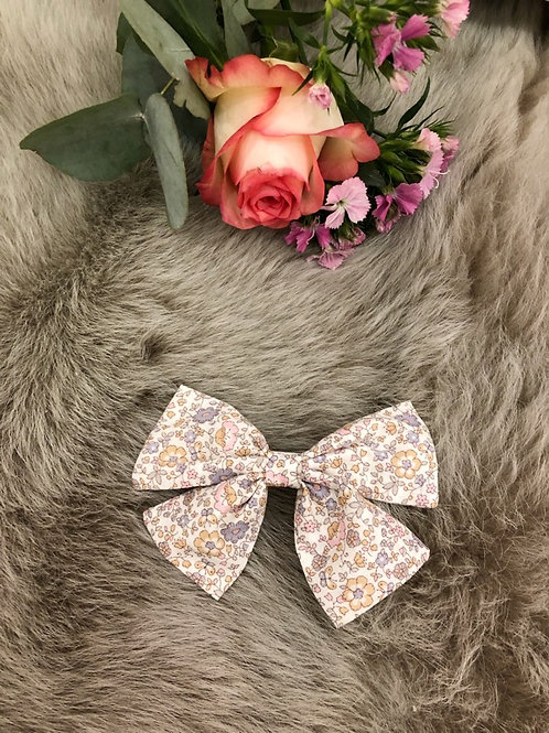 Bow Floral Olympia