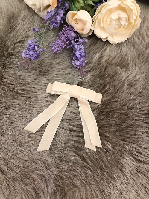 Big Bow  Velvet Ivory