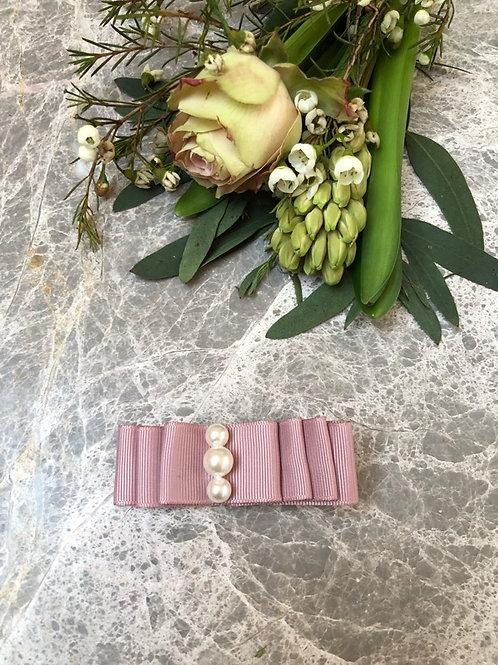 Bow Medium Dusty Pink Pearls