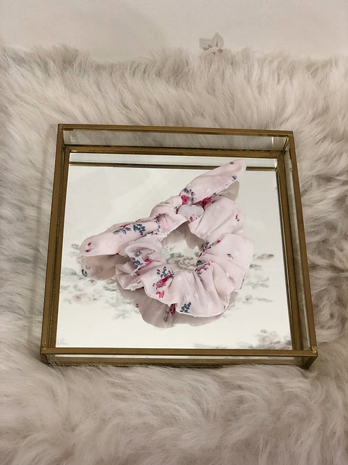 Scrunchie Lily Floral