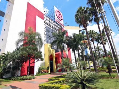 Retrofit na iluminação do Shopping D, proporcionando economia de energia e conforto para clientes.