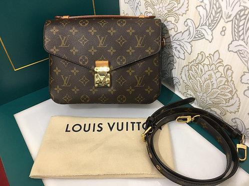 Louis Vuitton LV Pochette Metis Monogram Canvas