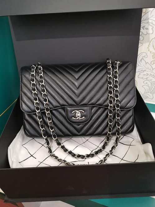 #22 LNIB Chanel Jumbo Classic Double Flap Chevron caviar blk shw