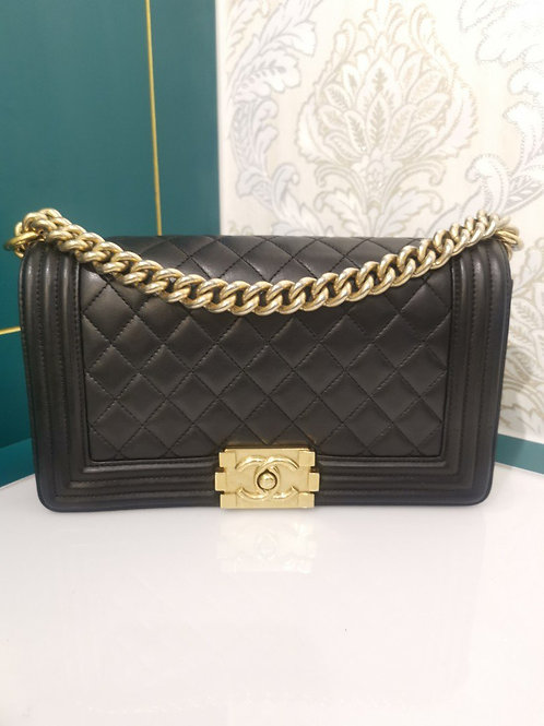 #21 LNIB Chanel Boy Old Medium Lambskin with GHW