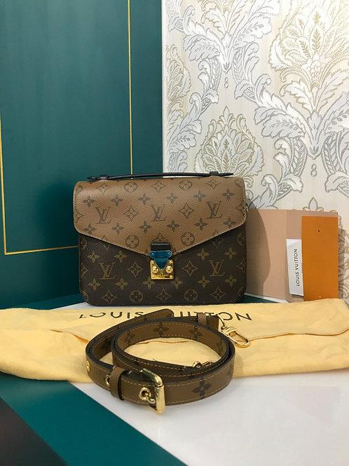 Like New LV Louis Vuitton Pochette Metis Reverse