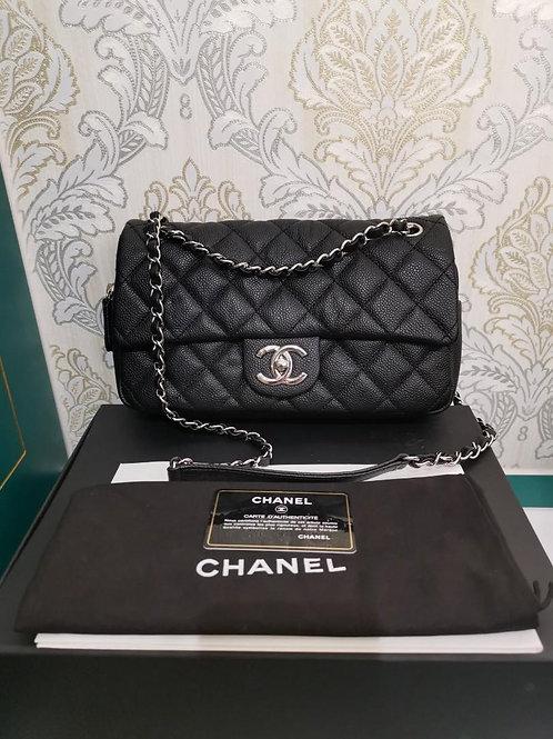 #18 LNIB Chanel Easy Flap Medium Caviar Black with SHW