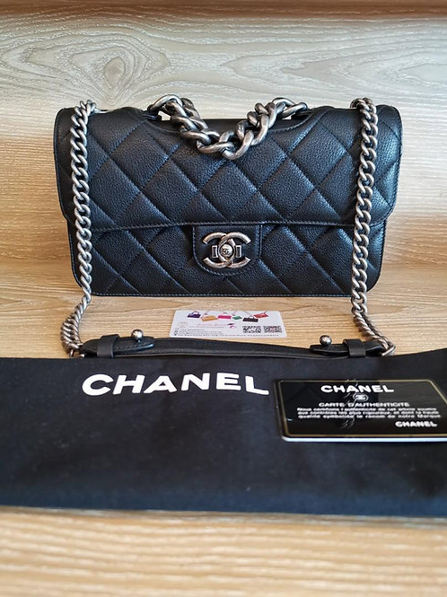 #21 Almost New Chanel Perfect Edge Black Grained Claf with RHW